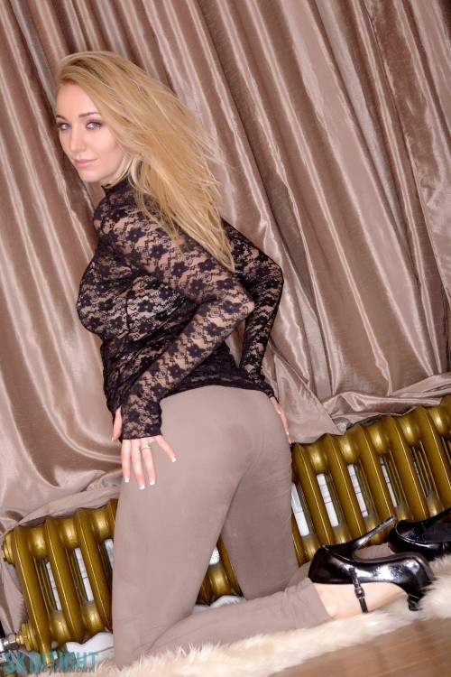Ass in leggings pictures