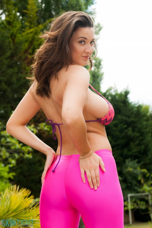 Joey Fisher In Joey Pink - Picture 1