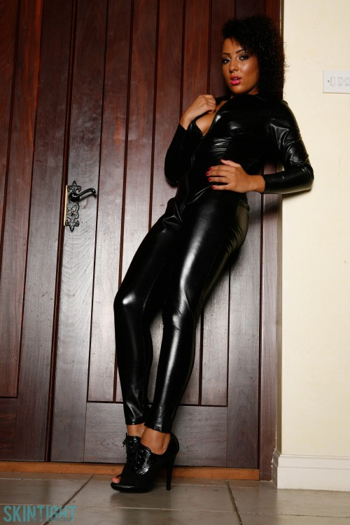 Kayla Catsuit - Picture 7